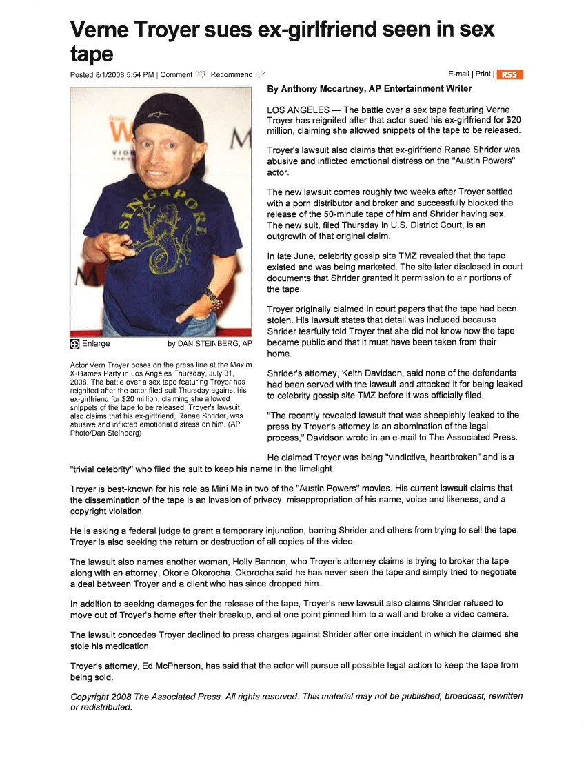 m-12-Verne-Troyer-Sues